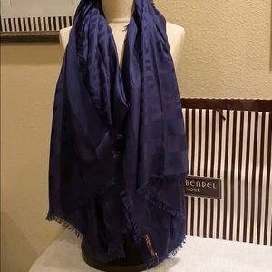 Henri Bendel scarf 🧣